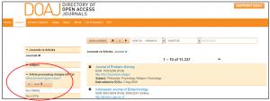 Tabelle mit der Anzahl der im DOAJ gelisteten Zeitschriften mit und ohne Publikationsgebühren