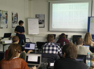 Der erste Software Carpentry Workshop bei ZB MED mit Silvia di Giorgio.