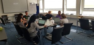 Read more about the article Aufbau einer Community für digitale Kompetenz bei ZB MED: Carpentries und HackyHours